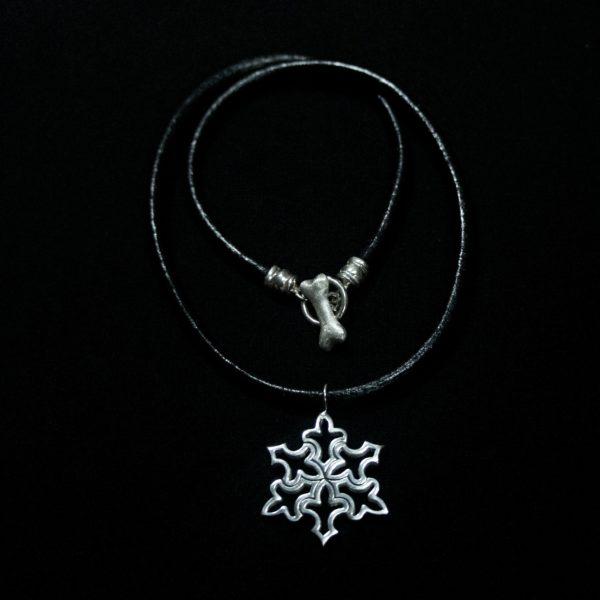 Snowflake Pendant – Medium