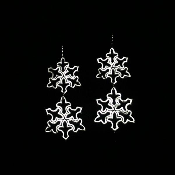Small/Medium Snowflake Drop